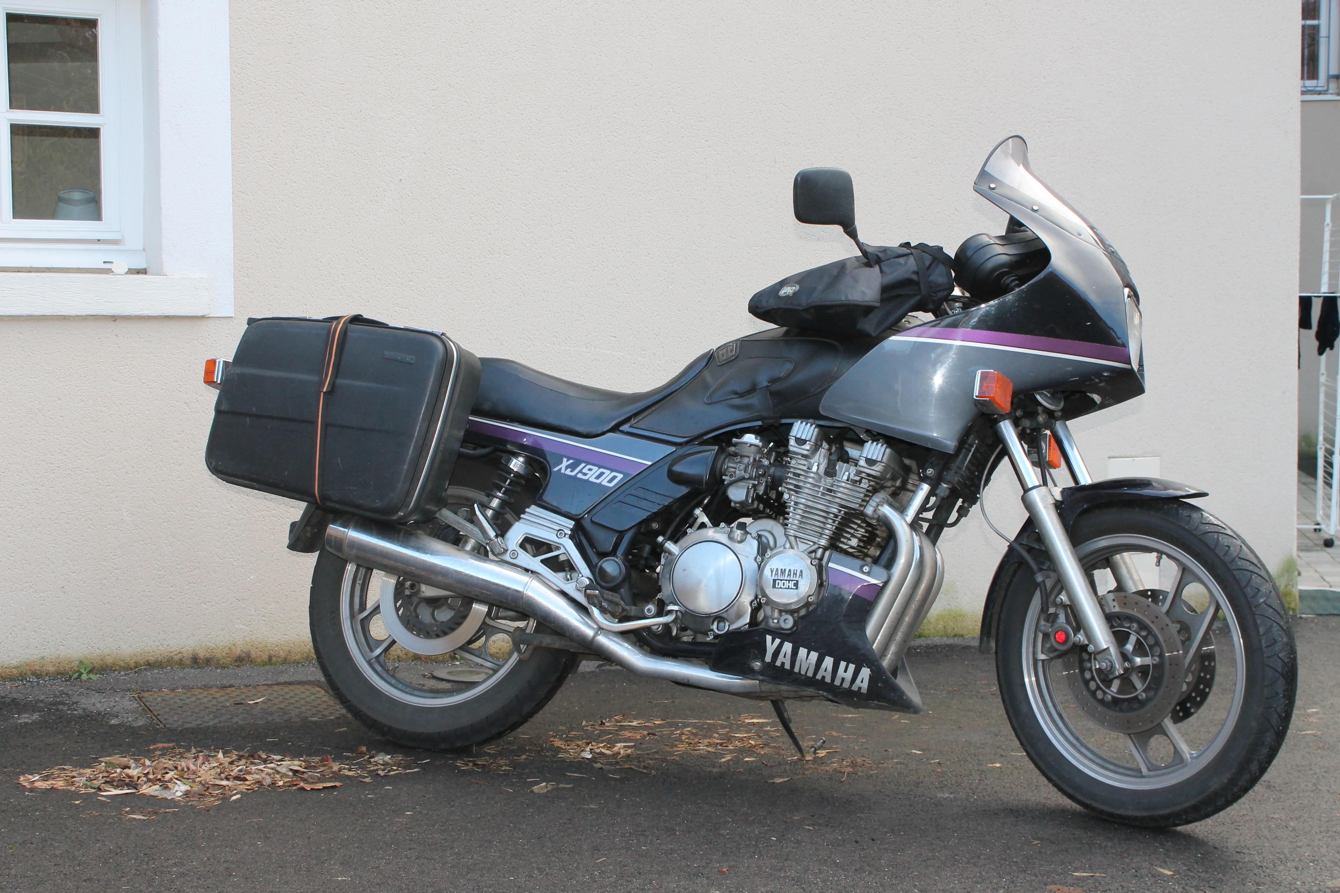 rouille réservoir moto